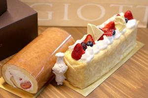 【本日のあまいモノ】イチゴが美味しい!ロールケーキ&ムースのケーキ!イメージ