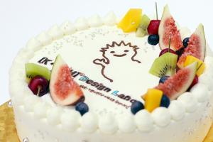 【本日のあまいモノ】開業・起業などのお祝いにぴったり!ロゴ入りケーキ!イメージ