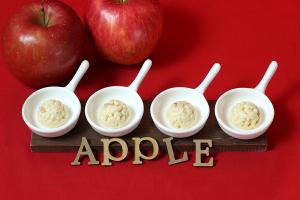 最近、KOMの社内でやってる撮影 〜 信州産りんごクランチチョコレートのオフショットイメージ
