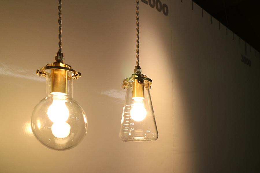 実験室の照明