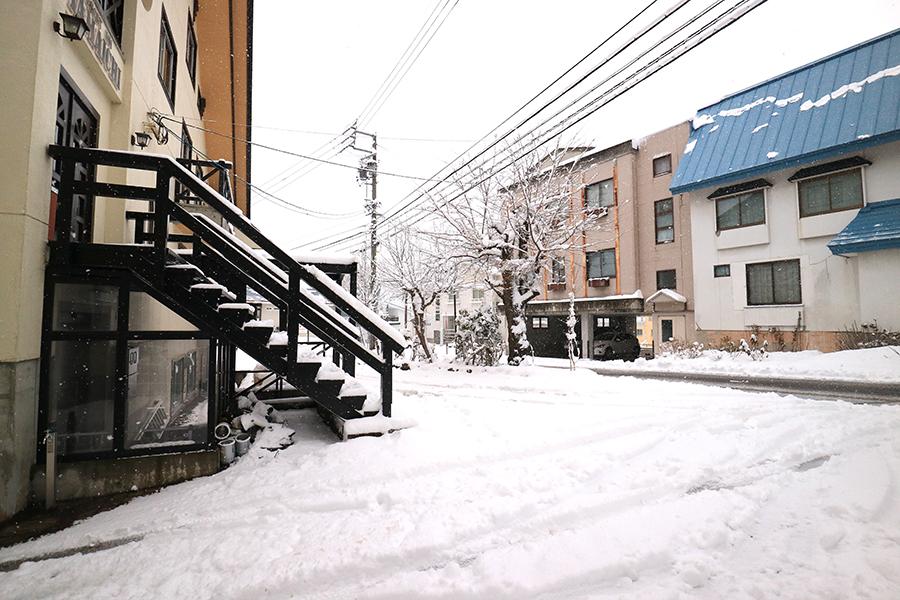 栂池高原の積雪量