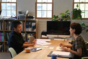 建築士成瀬さんと調整打ち合わせ_愛知土地区画整理綜合事務所プロジェクトvol.07イメージ