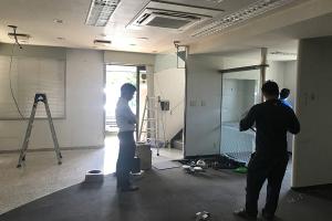 現場もフライング気味に進みつつ、工事前の最終調整_よしおか整骨院プロジェクトイメージ