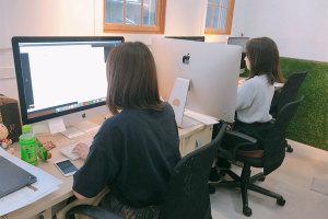 仕事が早すぎてスタッフの間にiMacという壁【その2】イメージ