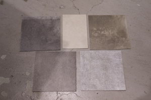 床材のサンプルもきました!_KOM事務所移転プロジェクトvol.09イメージ
