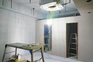 壁が仕上がり電気工事_GOKAN Conditioning Labo.プロジェクトイメージ