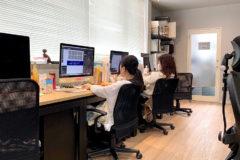 昼下がりのKOMの様子 in 新事務所