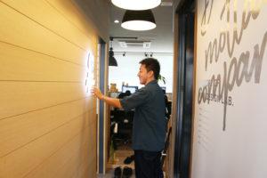 引っ越しから8ヶ月…ようやく看板を掲げます!_KOM事務所移転プロジェクトイメージ