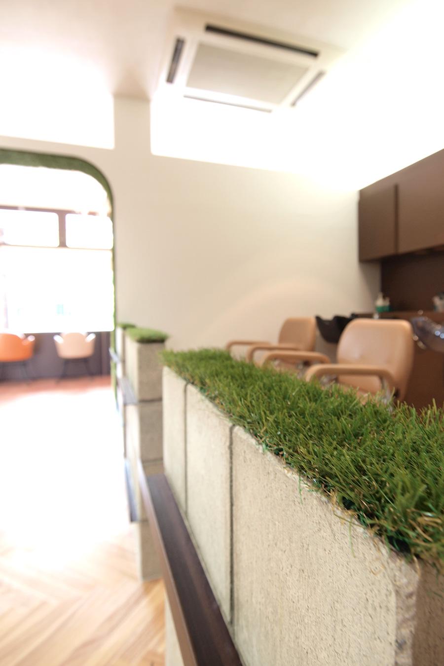 美容室の人工芝