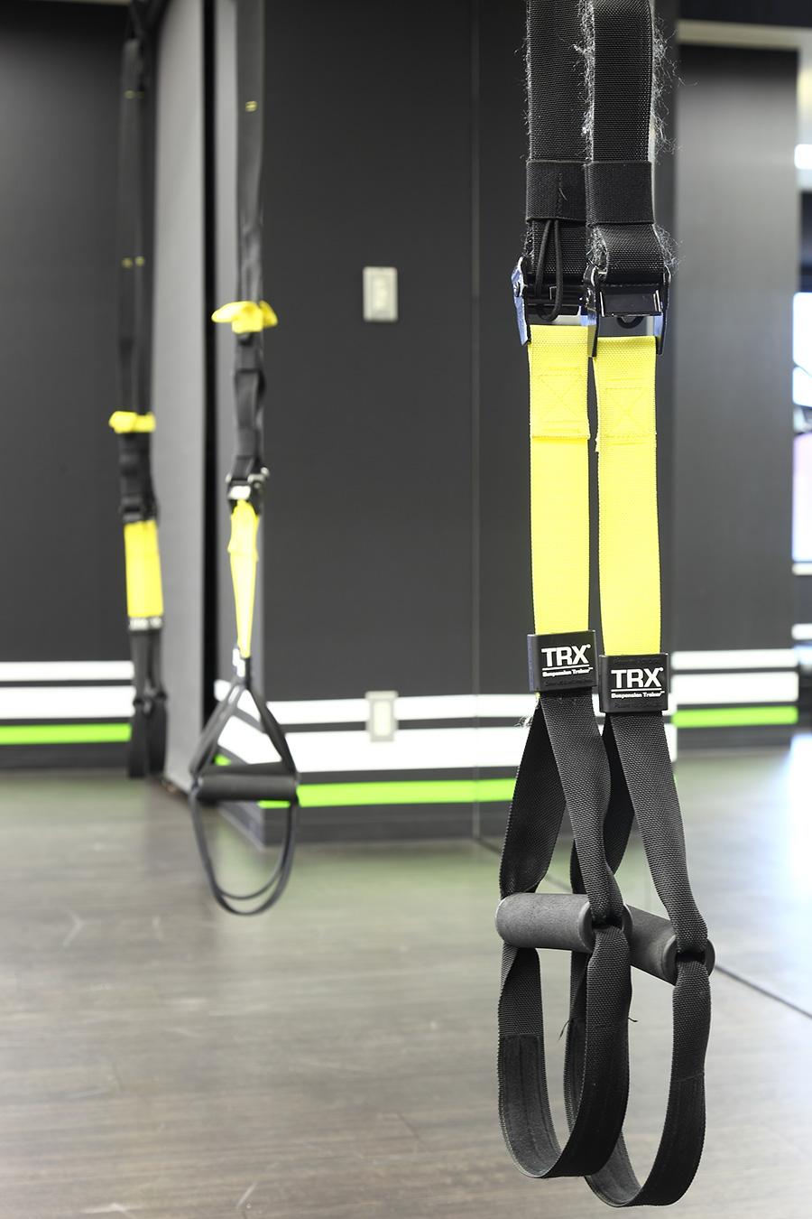 パーソナルトレーニングスタジオのTRX設置
