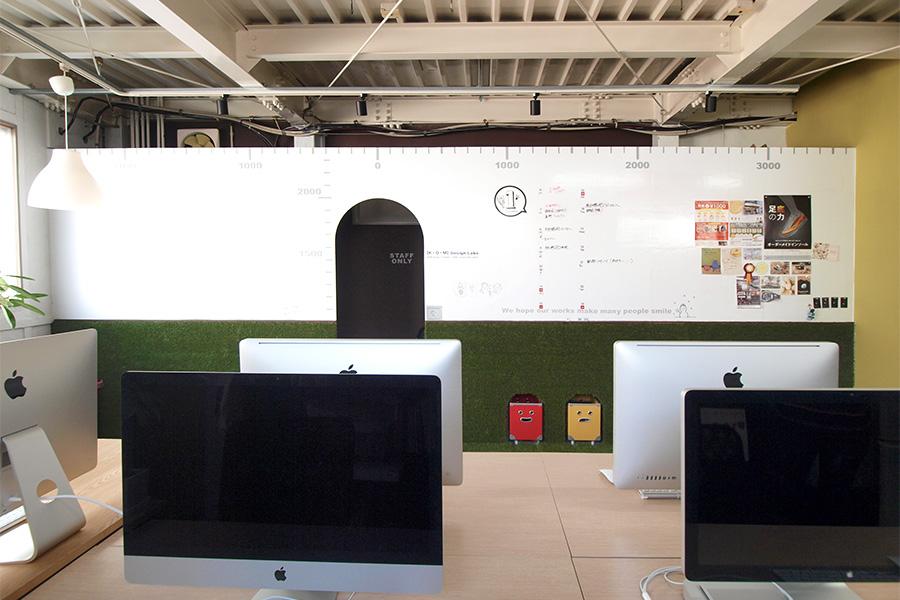 デザイン事務所のホワイトボードクロス