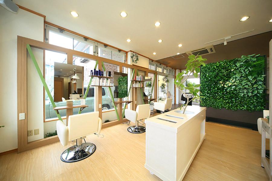 美容室の店舗デザイン_愛知県岡崎市 hair & make Lampsyサムネイル