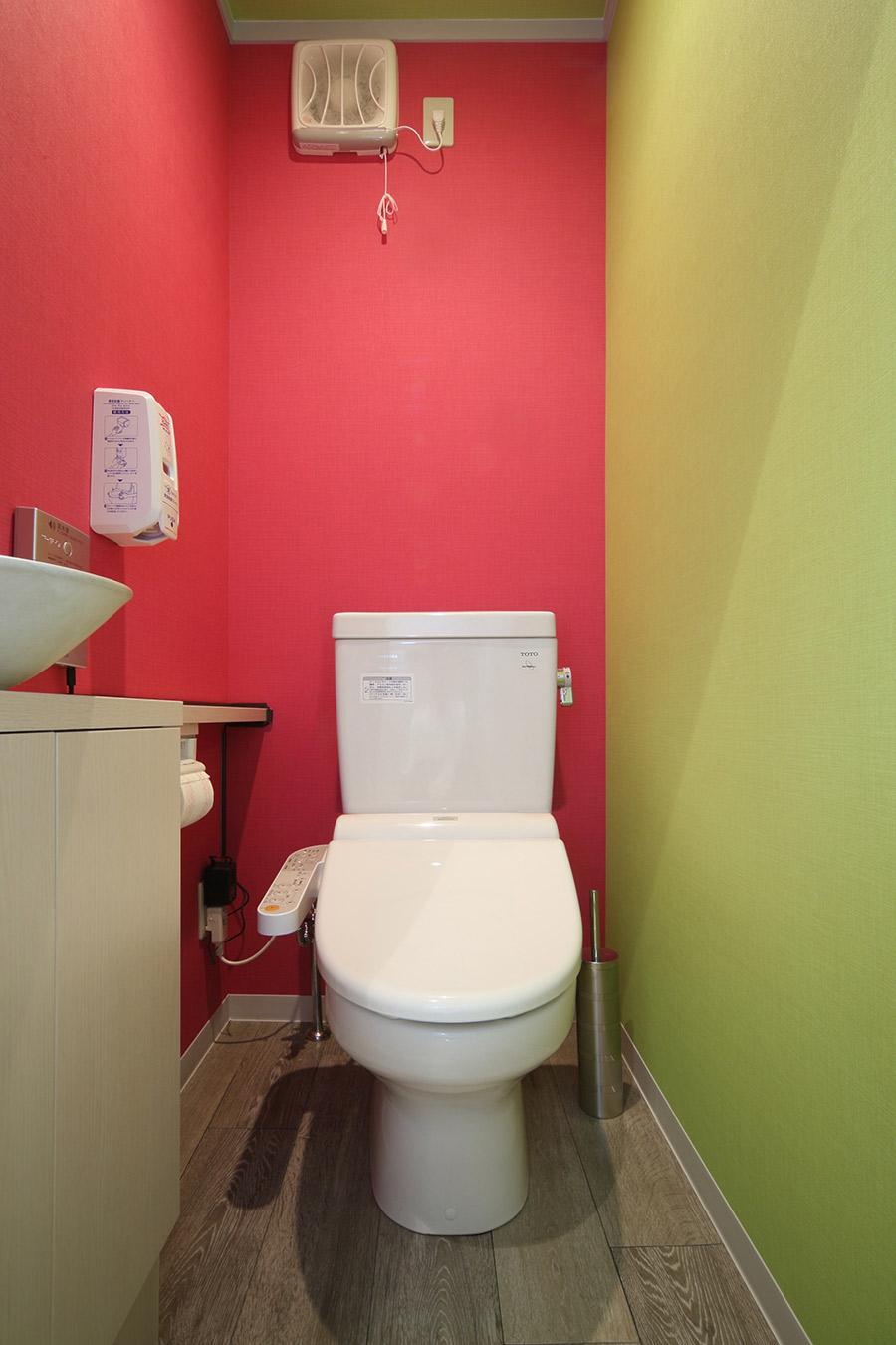 ネイルサロンのかわいいトイレ