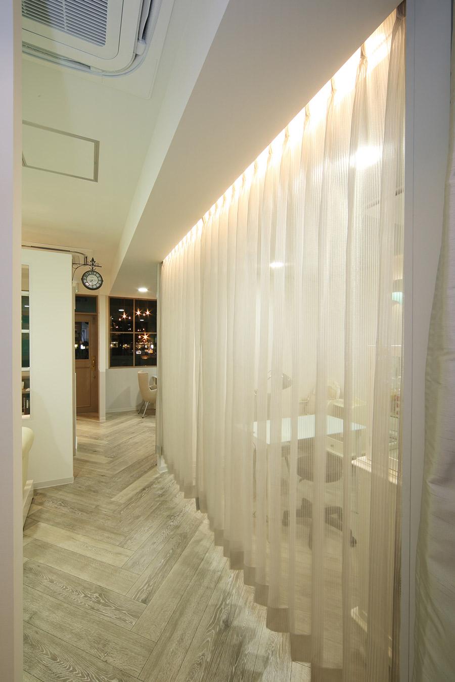 ネイルサロンのカーテンデザイン