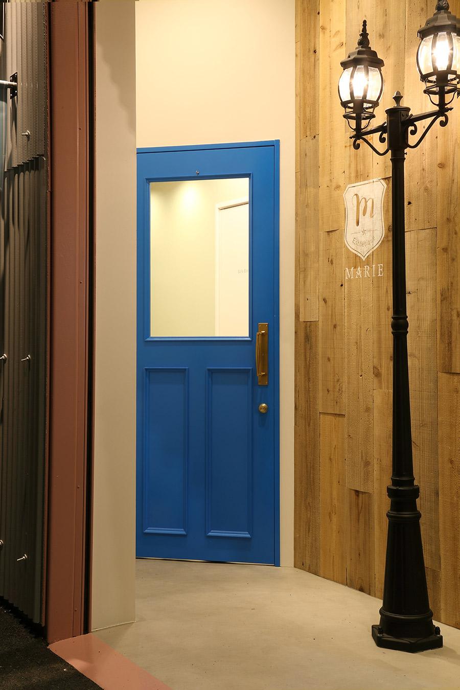 アンティークの扉
