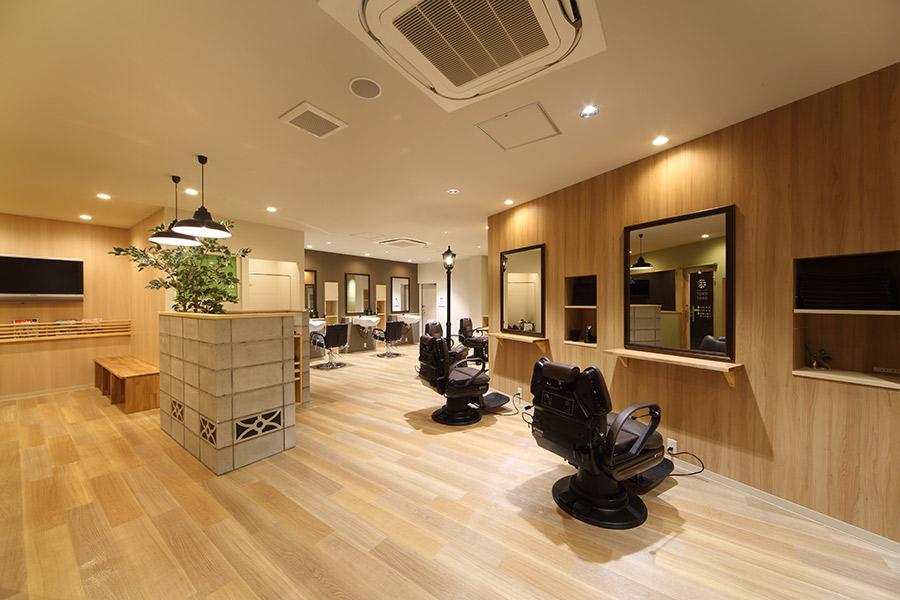 メンズカットサロンの店舗デザイン_岐阜県関市 オトコノトコヤTOKOTOKO