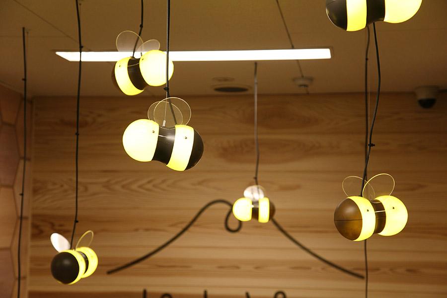 蜜蜂のオリジナル照明