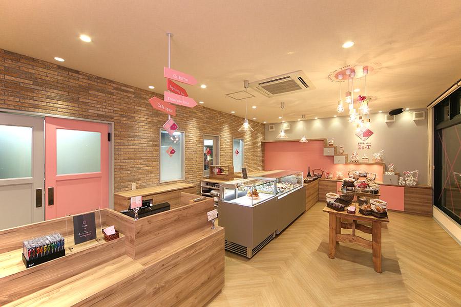 ケーキ屋の店舗デザイン_名古屋市緑区鳴海 パティスリーエスサムネイル