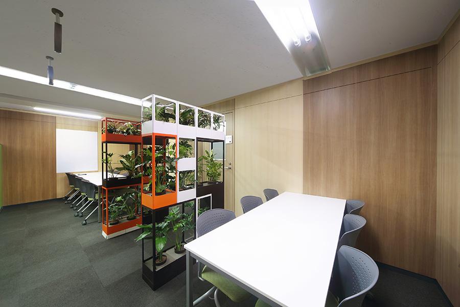 壁面緑化のオフィスデザイン