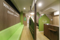 カットサロンの店舗デザイン_神奈川県大和市 カットオンリーサロンラフ中央林間店サムネイル