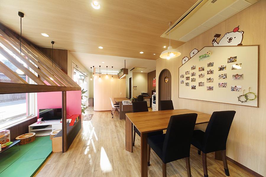 不動産屋の店舗デザイン