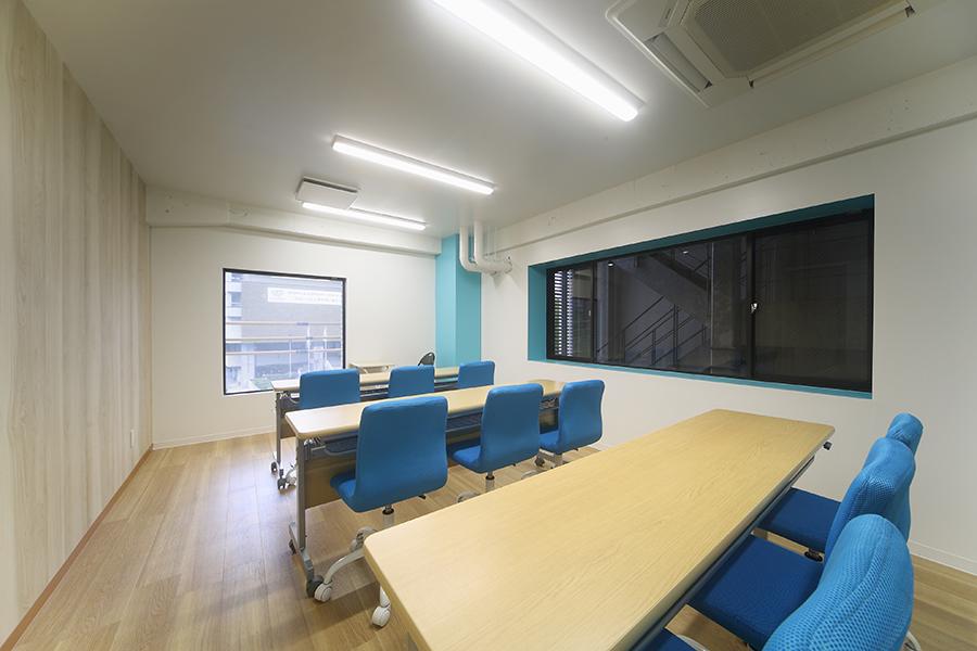 フィットネスジムのオフィスデザイン_東京都江東区のオフィスデザイン