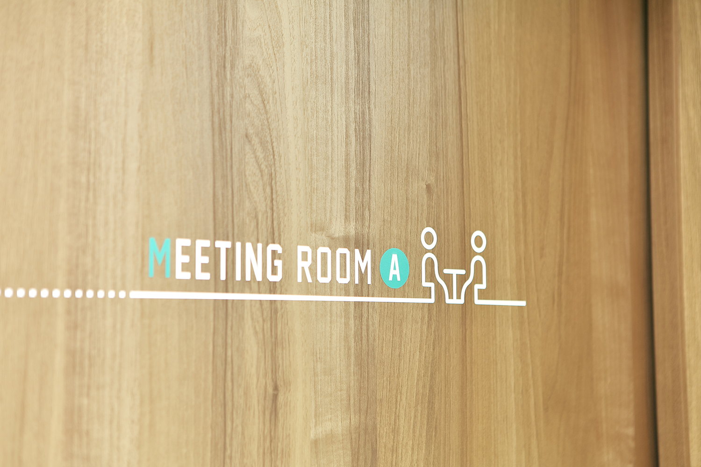 不動産屋の看板デザイン