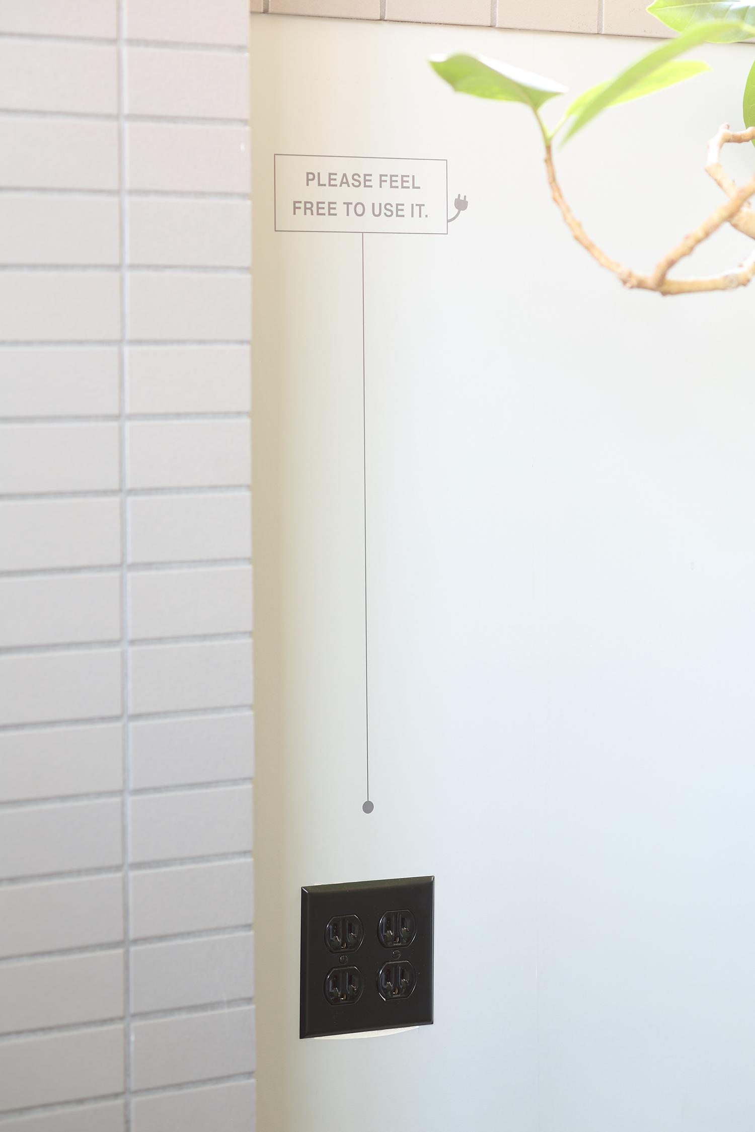 デザイン事務所の看板デザイン
